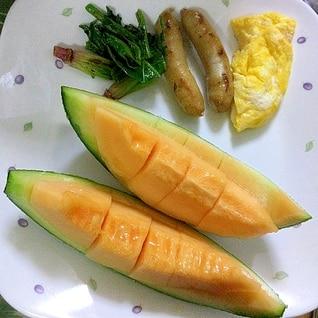 メロンのある朝食