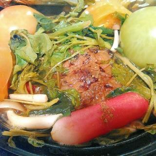 うなぎ蒲焼と洋野菜の蒸し焼き