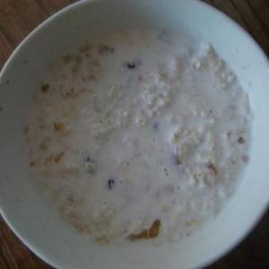 時間のない朝はこれ!オートミールのミルク粥