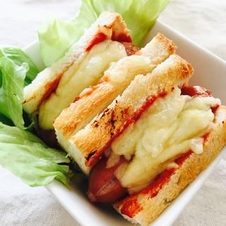 食パンでウインナーチーズのミニドック♡