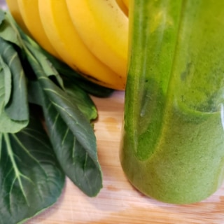 【独居自炊】小松菜×バナナのスムージー