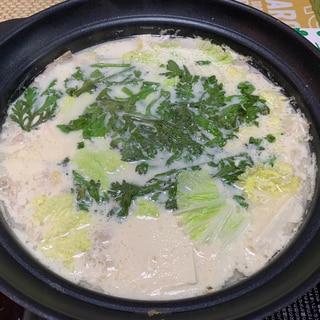 味噌牛乳ブタ鍋