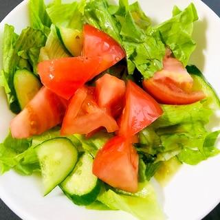 トマトのマリネと野菜のサラダ
