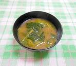 キャベツとほうれん草の味噌汁