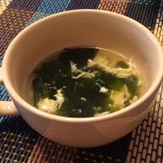 ダシダ使用☆卵とワカメのスープ