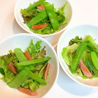 焼くと旨さ倍増☆レタスと焼きソーセージのサラダ