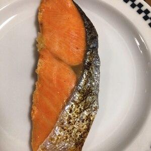 フライパンで鮭の塩焼き