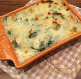 鮭とほうれん草の味噌クリームポテトグラタン