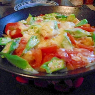 トマト♡オクラのチーズ焼き