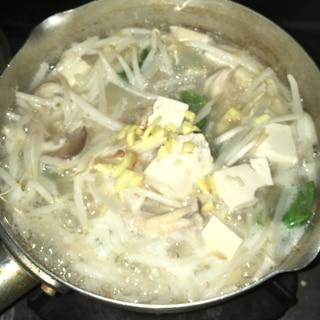 サムゲタンの素でほっこり温まる野菜豆腐煮