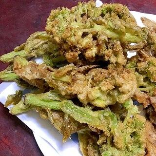 大きなフキノトウの天ぷら。