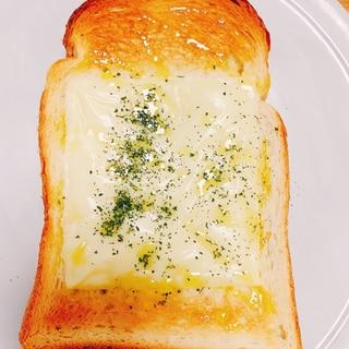 アレンジ食パン☆オリーブチーズ