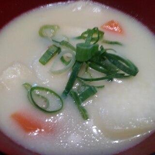 お雑煮風 白味噌のお味噌汁