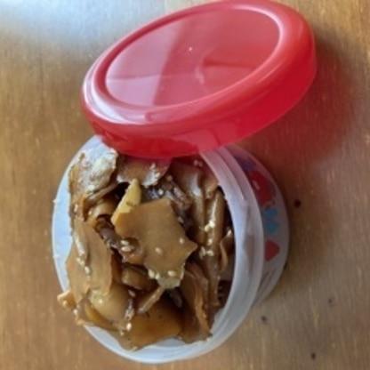 鰹節がなくてかつおだしで代用しましたが、とても美味しくできました。普段生姜を食べない子供達もご飯のお供に食べてくれました〜♪