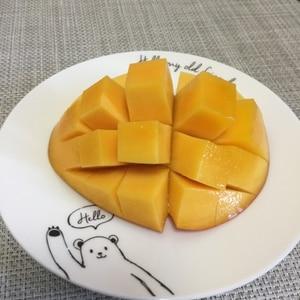 綺麗なマンゴーの切り方
