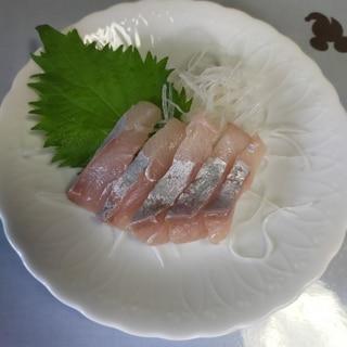 白身魚食べられる分だけ刺身に、残りは【こぶじめ】に