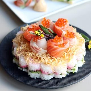 ひな祭りに お花の「ちらし寿司ケーキ」