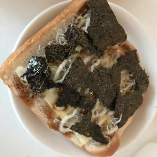 しらすとチーズの海苔トースト