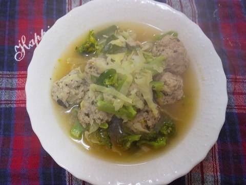豚団子とキャベツとブロッコリーのスープ