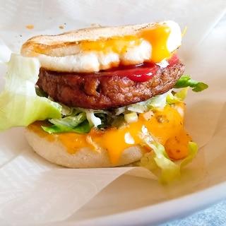 お家で簡単♪マルシンハンバーグでチーズバーガー