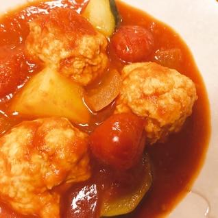 ふわふわ鶏団子とズッキーニのトマト煮込み