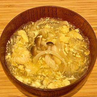 簡単!美味しい♪ふわっ卵とキノコと玉ねぎのスープ♪