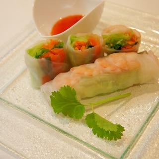 野菜と海鮮たっぷり♪シーフード生春巻き