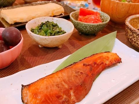 旨味たっぷり♡鮭の醤油麹漬け焼き