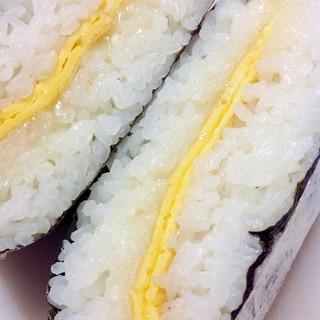卵チーズおにぎらず