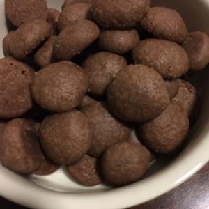 レンジで2分バター卵なしココアスノーボールクッキー