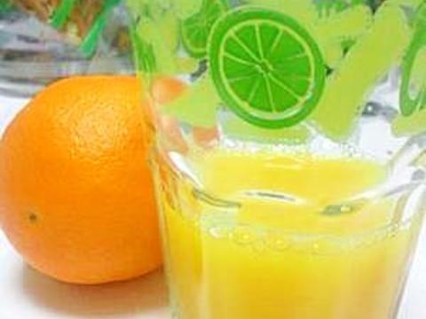 断食明けの回復食(1)手搾りオレンジジュース