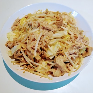 豚肩肉とキャベツともやしの炒め物