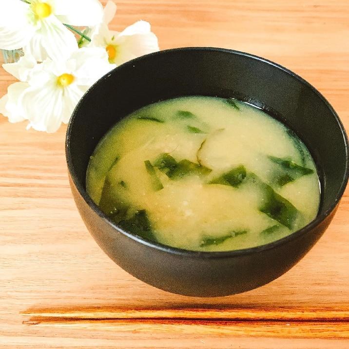 にんにく入り✧˖°わかめのダイエットお味噌汁