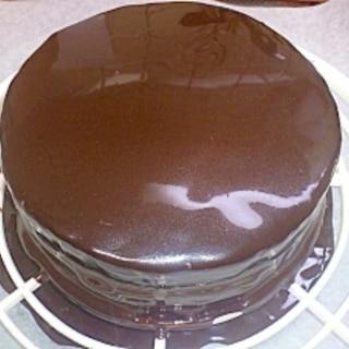 ケーキの仕上げに簡単グラサージュ
