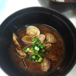 赤味噌を使って☆アサリのお味噌汁