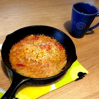 スキレットで簡単!トマトのチーズリゾット