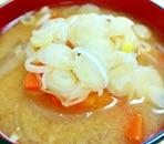 おかずにもなる♪根野菜タップリのお味噌汁