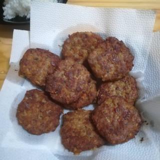コショウの効いた豚肉のハンバーグ(パン粉なし)
