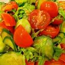 簡単2行程!トマト・きゅうり・大葉の中華風サラダ
