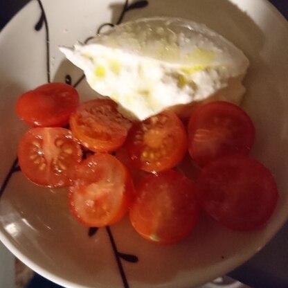 プチトマトですが、参考にさせて頂きました。 オリーブオイルと塩、シンプルで美味しかったです。