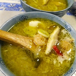 超簡単、グリーンカレーシーフードスープ