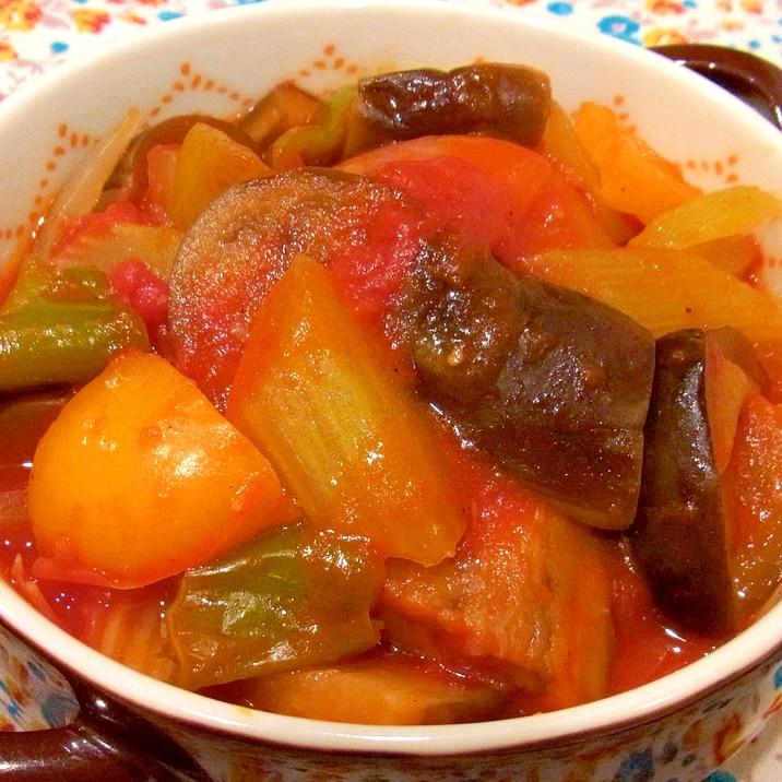 トマト缶で簡単♪野菜のうまみたっぷりラタトゥイユ