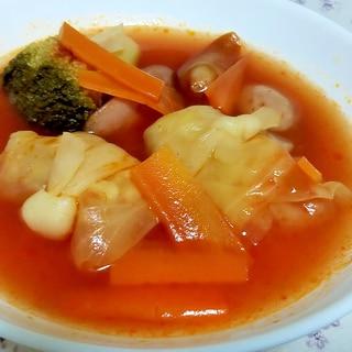 冷凍ロールキャベツで簡単ポトフ風トマトスープ