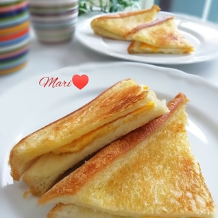 フライパンで!薄焼き卵&チーズのホットサンド