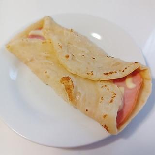 簡単!小麦粉でもちもちブリトー(ハムチーズ)