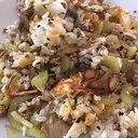 セロリと豚ひき肉の卵チャーハン