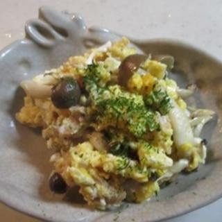 簡単お弁当のおかず♪しめじとツナの炒り卵和え