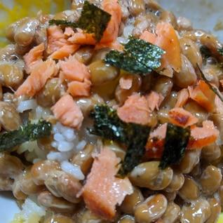 鮭乗せ納豆ご飯