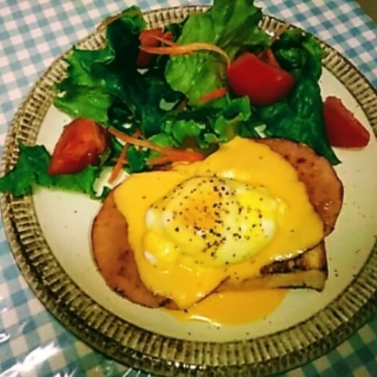 レシピのお写真、お店屋さんみたいでお上手ですね。私のは食パンとハムだと何か家庭的…。でも味はとっても美味しいー♪また作ります♪♪