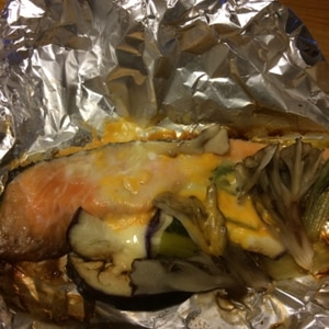洗いもの楽々!醤油マヨ味鮭のホイル焼き